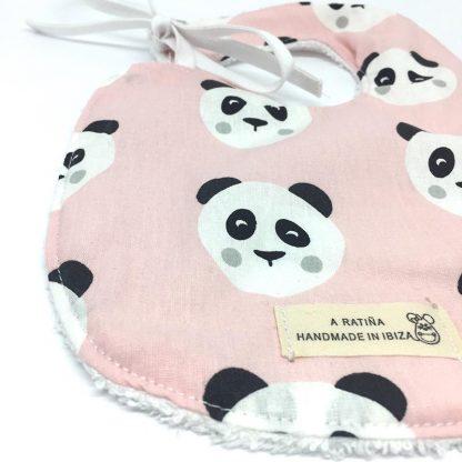 babero panda rosa detalle