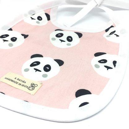 babero plastificado panda rosa detalle