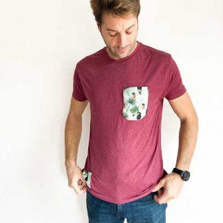 camiseta chico granate tucanes y piñas