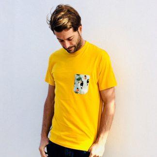 camiseta chico mostaza bolsillo tucanes y pinas