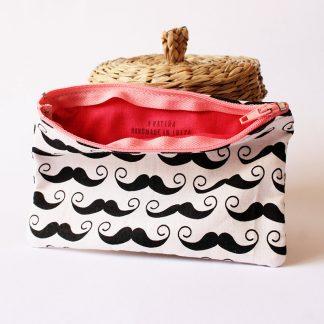 monedero bigotes