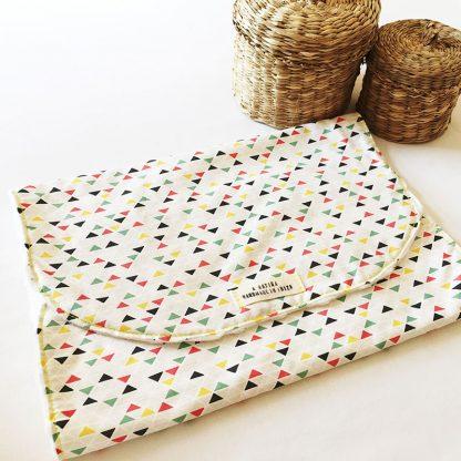 toalla lactancia triángulos colores